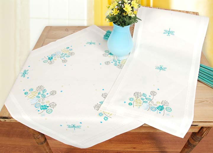 Vervaco Embroidery Kit: Runner: Dragonfly in Grass Runners and Tablecloth