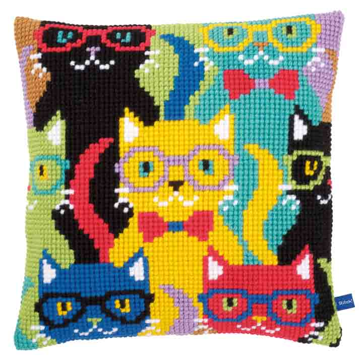 Vervaco Cross Stitch Cushion: Funny Cats Cats & Dogs CSCK