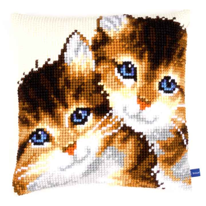 Vervaco Cross Stitch Cushion: Kittens Cats & Dogs CSCK