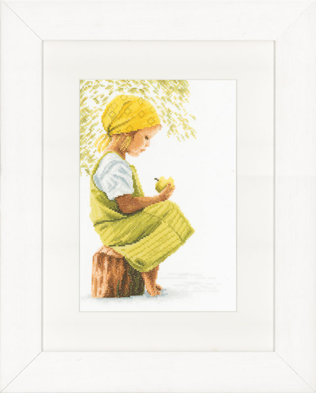 Lanarte Counted Cross Stitch Kit: Girl with Apple (Aida,W)