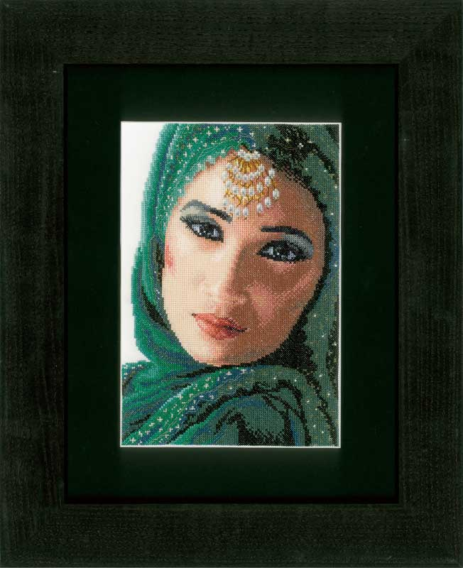 Lanarte Counted Cross Stitch Kit: Eastern Beauty (Evenweave)