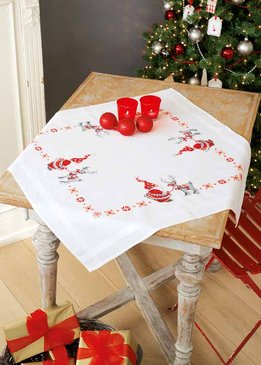 Vervaco Embroidery Kit: Tablecloth: Christmas Elves