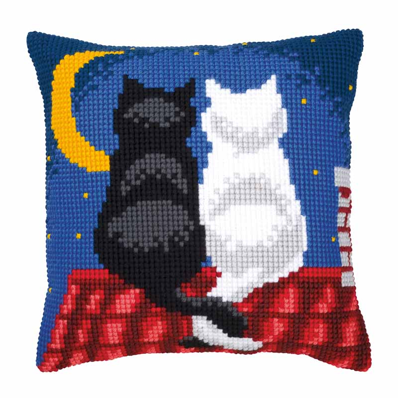Vervaco Cross Stitch Cushion Kit: Roof Top Cats