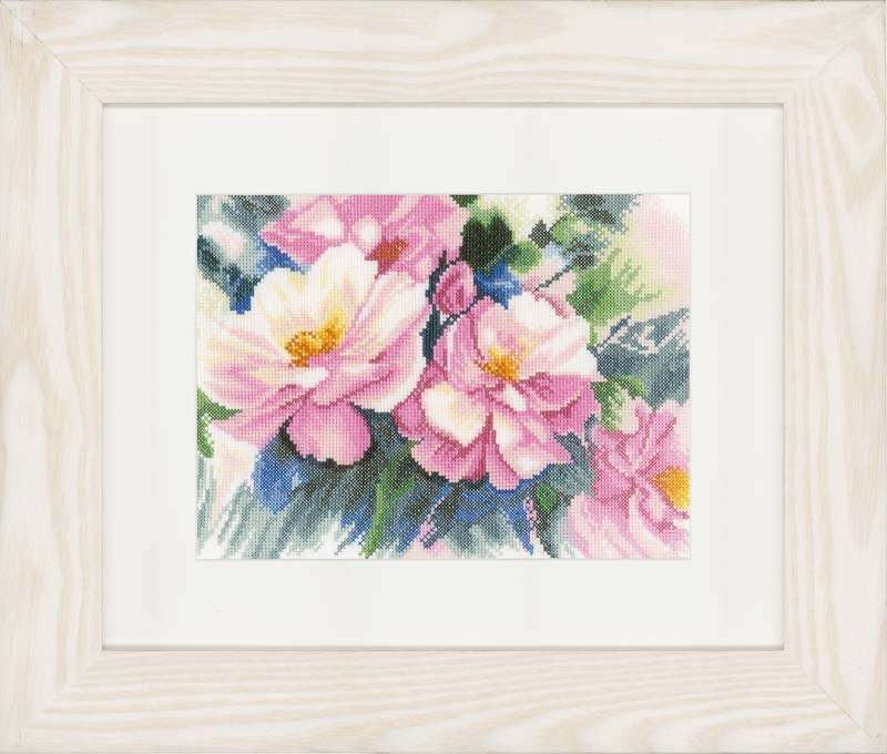 Lanarte Counted Cross Stitch Kit: Beautiful Roses (Evenweave)