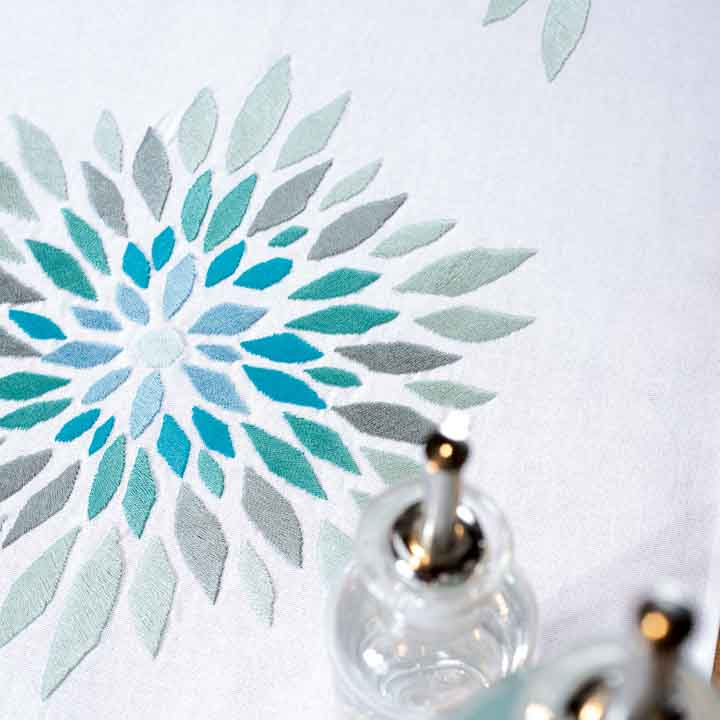 Vervaco Embroidery Kit: Runner: Modern Flowers Runners and Tablecloth