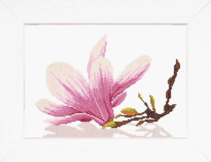 Lanarte Counted Cross Stitch Kit: Magnolia Twig with Flower (Aida,W)