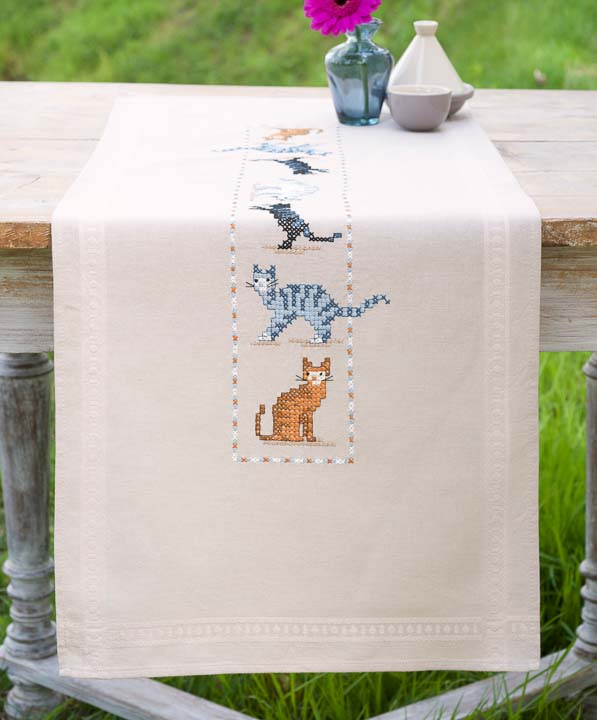 Vervaco Embroidery Kit: Runner: Cats Runners and Tablecloth