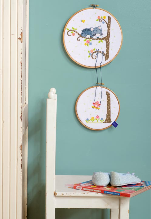 Counted Cross Stitch Kit with Rings: Lief! Bird on Swing (Set of 2)