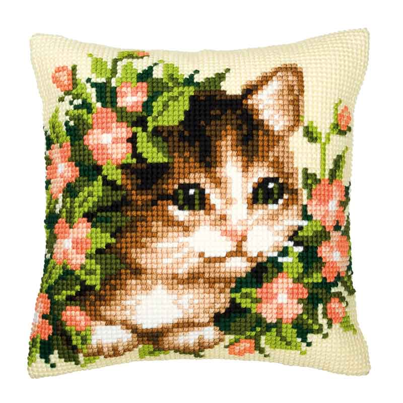 Vervaco Cross Stitch Cushion Kit: Kitten and Flowers