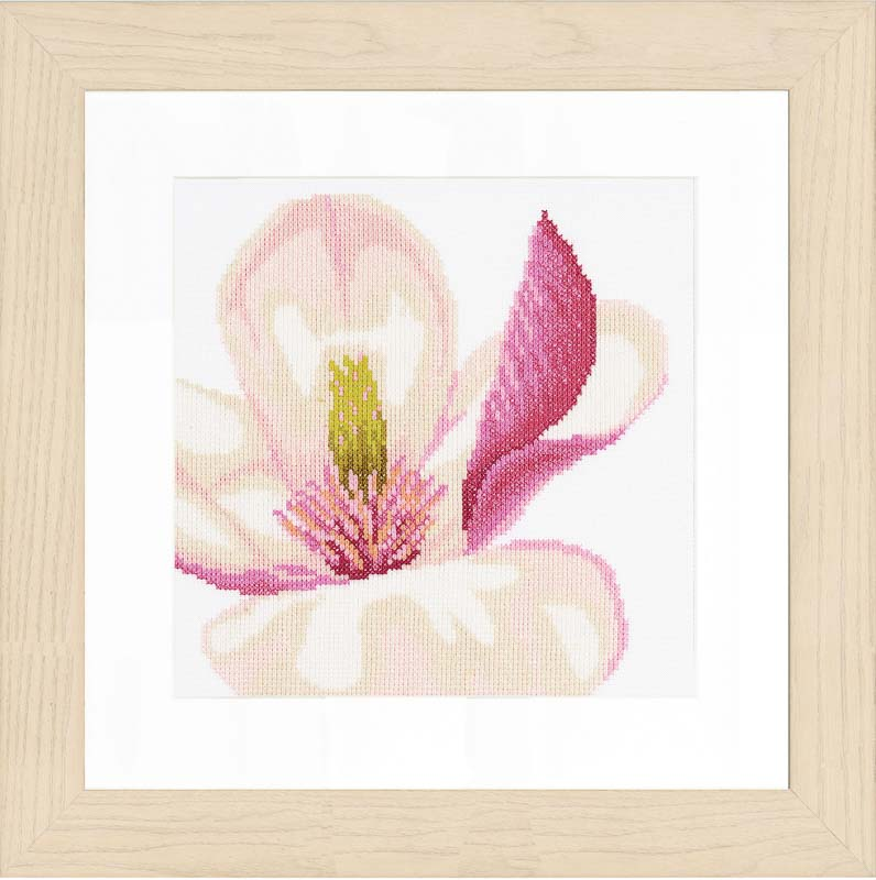 Lanarte Counted Cross Stitch Kit: Magnolia Flower (Evenweave)