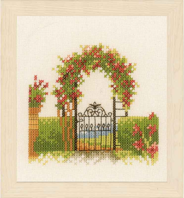 Lanarte Fence & Flowers (Evenweave)