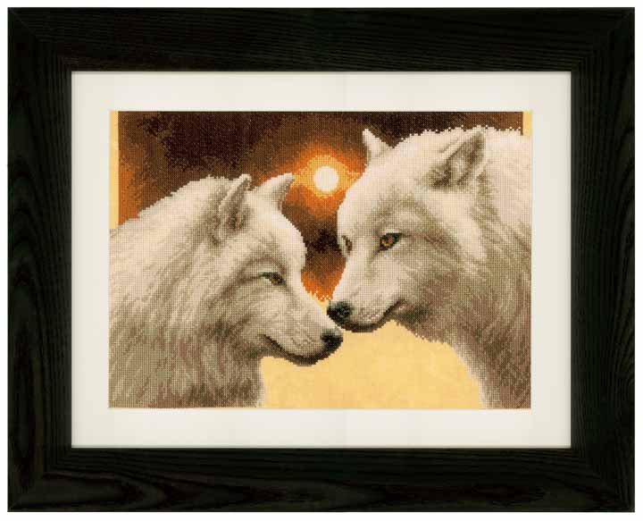 Counted Cross Stitch Kit: Wolves at Full Moon