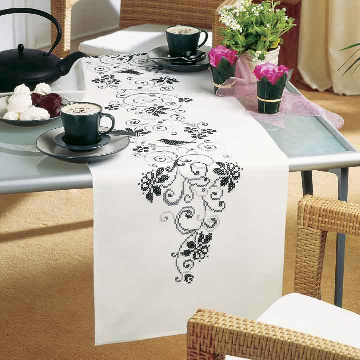 Vervaco Embroidery Kit: Runner: Blackwork Runners and Tablecloth