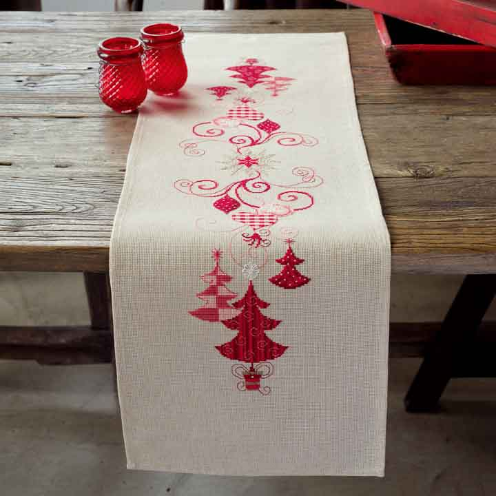 Vervaco Embroidery Kit: Runner: Christmas Decs Runners and Tablecloth