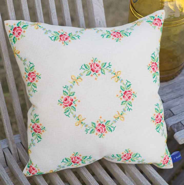 Vervaco Counted Cross Stitch Cushion: Garland and Roses Flowers & Nature CSCK
