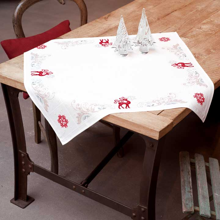 Vervaco Counted Cross Stitch Kit: Tablecloth: Reindeer