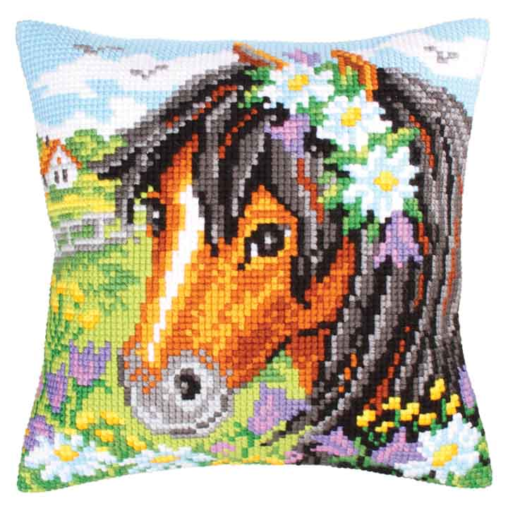 Collection D Art Cross Stitch Cushion: Daisy Chain Animals & Birds CSCK