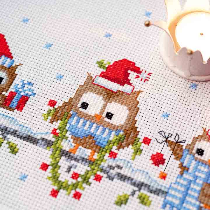 Vervaco Counted Cross Stitch Kit: Runner: Christmas Owls