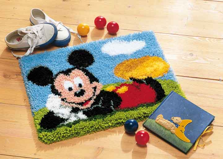 Vervaco Latch Hook Kit: Rug: Mickey Mouse