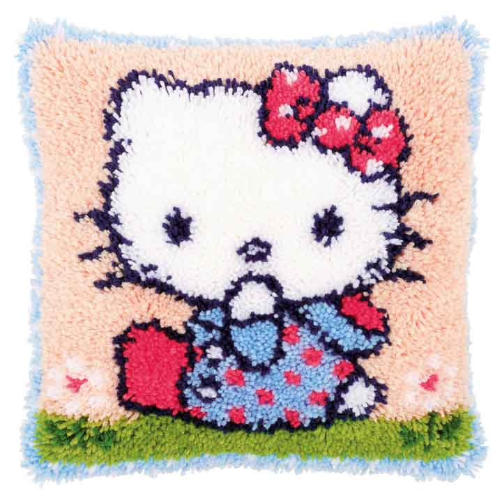 Vervaco Cross Stitch Cushion: Hello Kitty on the Grass Characters CSCK