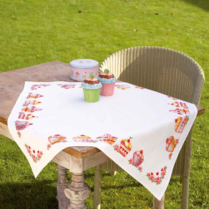 Vervaco Counted Cross Stitch Kit: Tablecloth: Cupcakes