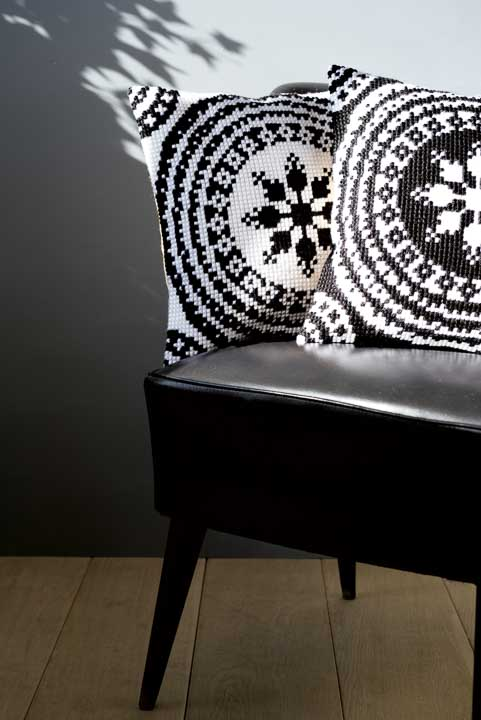 Vervaco Cross Stitch Cushion Kit: Black and White