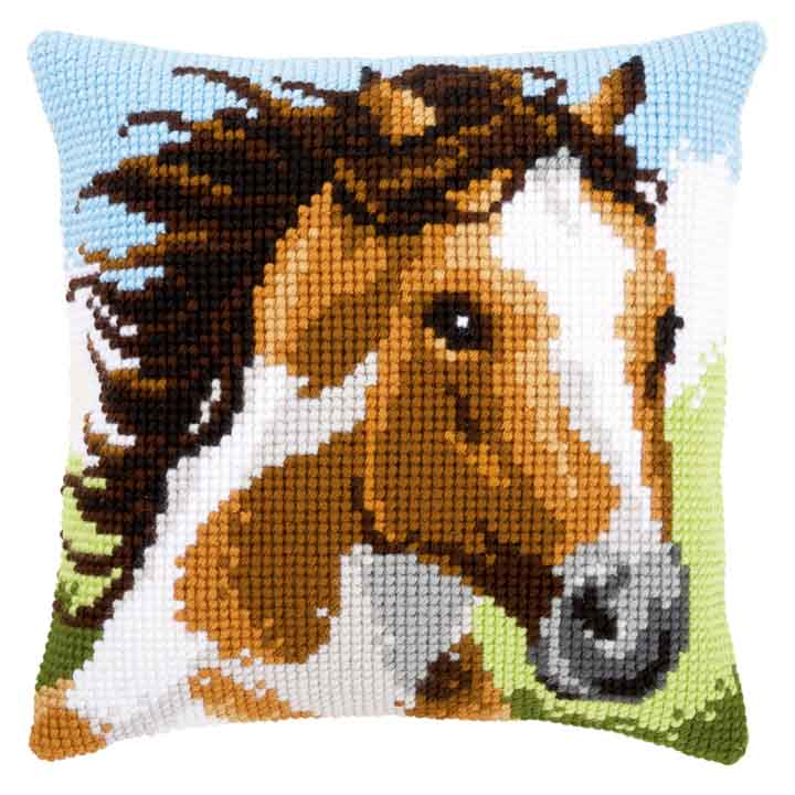 Vervaco Cross Stitch Cushion: Fiery Stallion Animals & Birds CSCK
