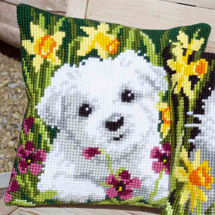Vervaco Cross Stitch Cushion: Westie in Daffodils Cats & Dogs CSCK