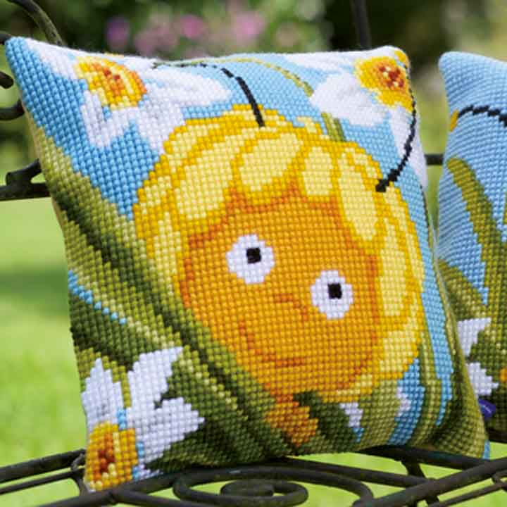 Vervaco Cross Stitch Cushion: Maya In Daffodils Insects & Bugs CSCK