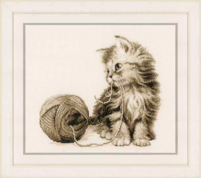 Vervaco Counted Cross Stitch Kit: Kitten | PN_0162378