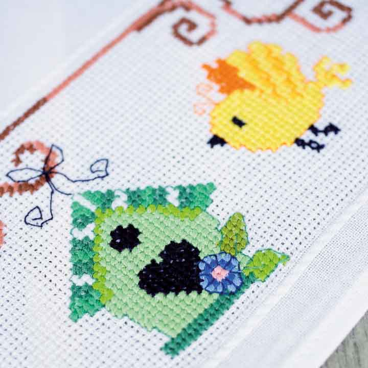 Vervaco Counted Cross Stitch Kit: Tablecloth: Bird Houses