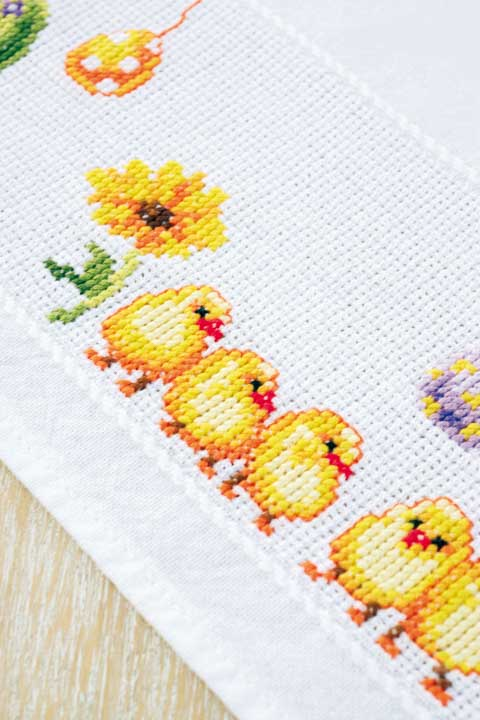 Vervaco Counted Cross Stitch: Tablecloth: Chicks and Eggs