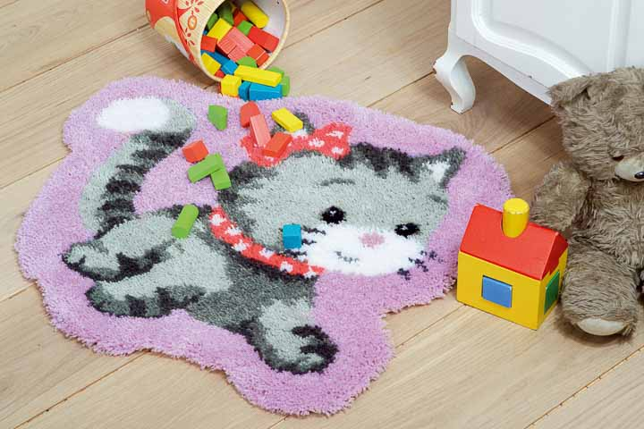 Vervaco Latch Hook: Shaped Rug: Cat Latch Hook Rug & Wall Hanging Kit