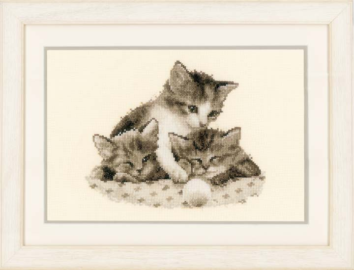 Counted Cross Stitch Kit: Three Little Kittens Cats & Dogs CSK