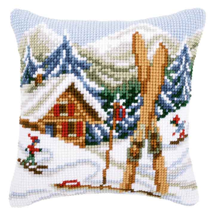 Vervaco Cross Stitch Cushion: Snow Fun Seasonal CSCK
