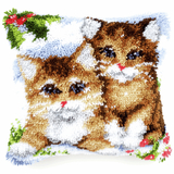 Vervaco Latch Hook Cushion: Snow Cats